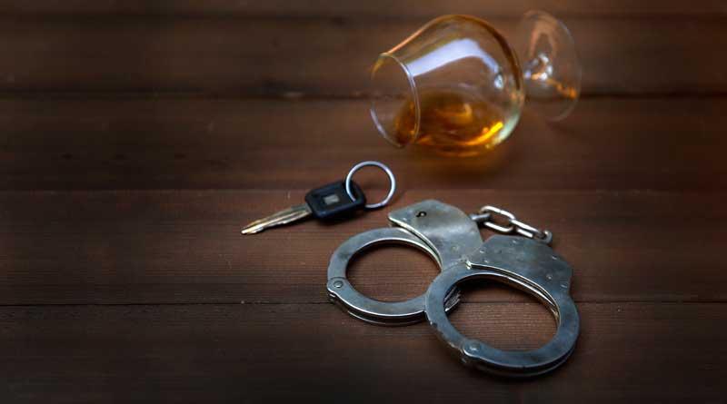 שוטר עצר אותך בגין נהיגה בשכרות?